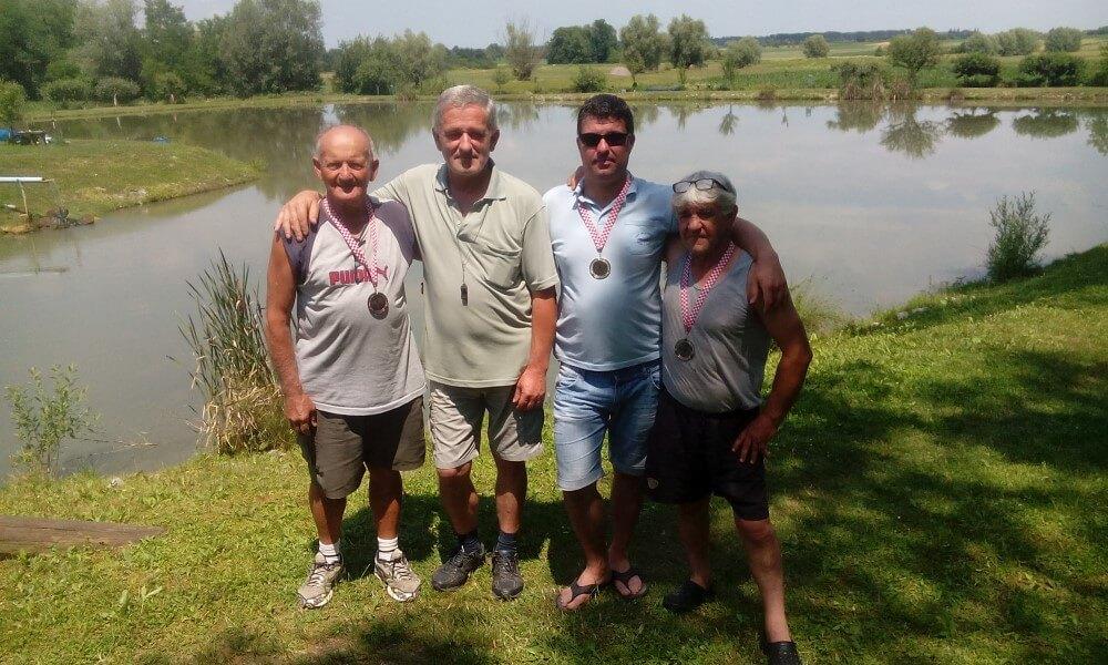 """Društveno natjecanje na jezeru Plavnica ŠRD """"Plavnica"""" Stare Plavnice održano 15.lipnja 2017."""